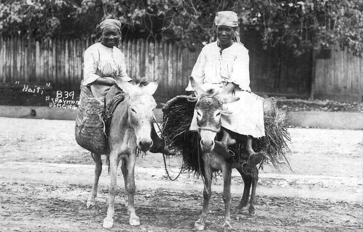 Peasant Women (1916)
