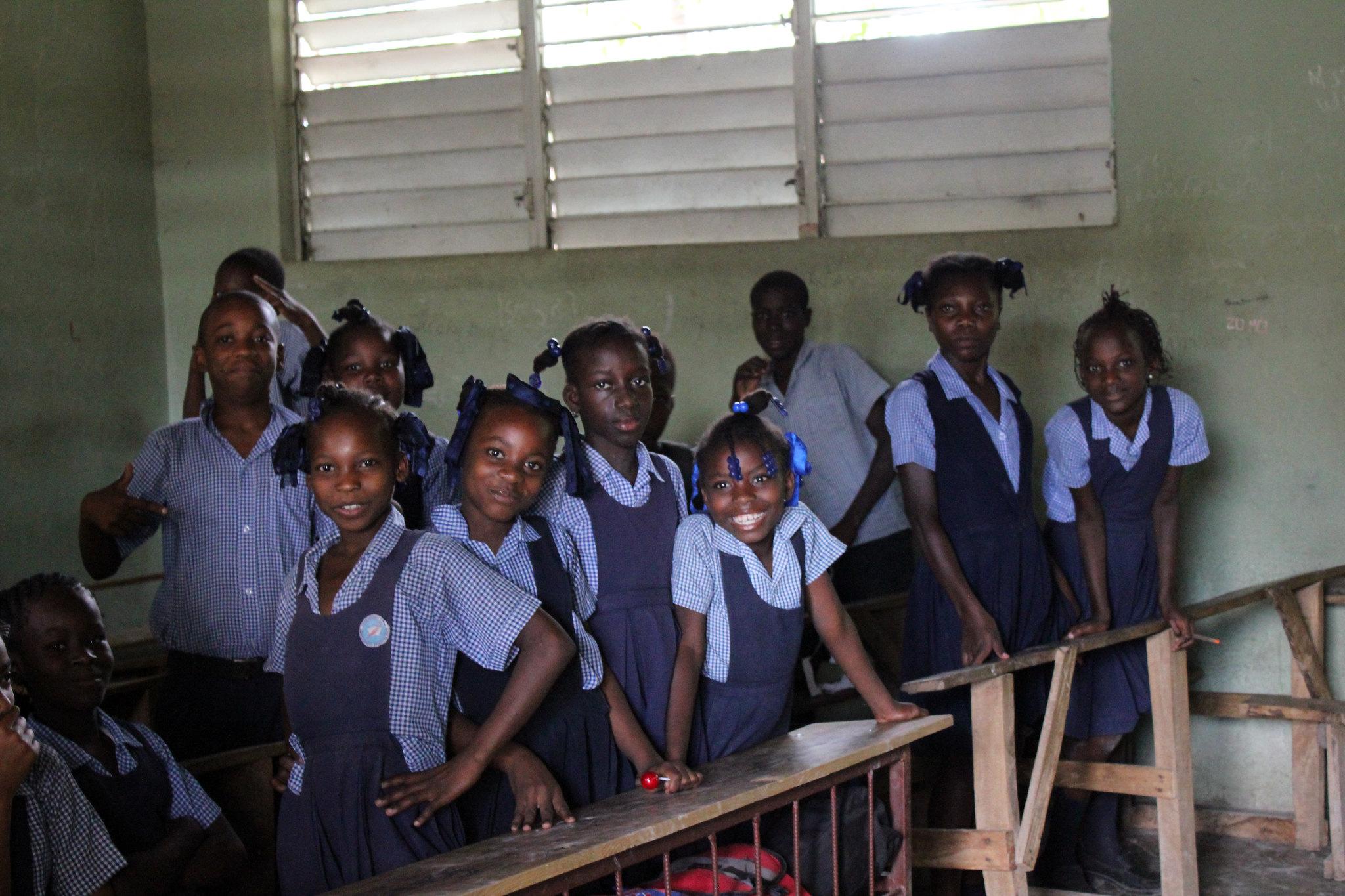 School Children posing